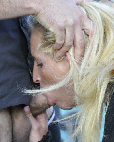 Fetischsex auf offener Straße