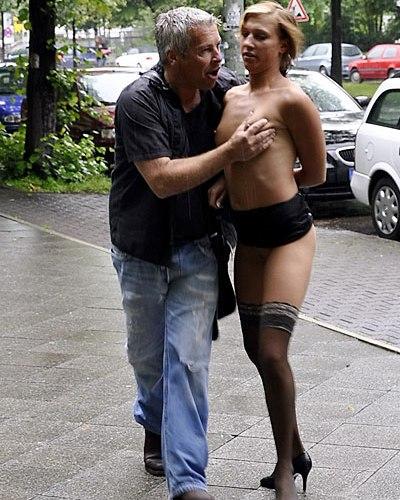gangbang im freien nackte frauen ficken männer